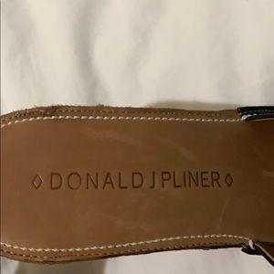 Donald Pliner TRX slip on heels. Great Condition